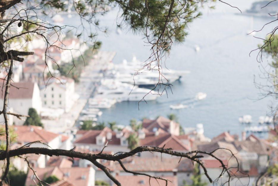 الجزر السياحية العشر الأكثر جمالا في العالم جزيرة هفار كرواتيا