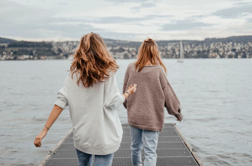 كيفية تكوين صداقات جديدة في بلاد السفر ؟