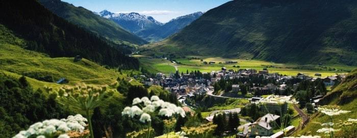 أهم الأنشطة السياحية التي يمكنك القيام بها في بلدة اندرومات بسويسرا