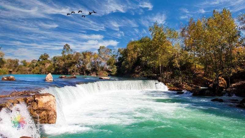 السياحة في رائعة الطبيعة مانافجات