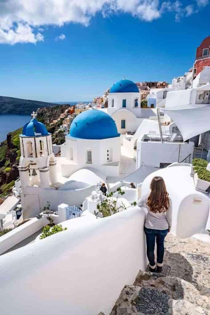 قضاء شهر العسل في أجمل الأماكن السياحية في سانتوريني اليونان
